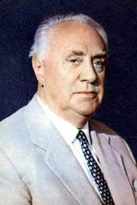 Михаил Жаров